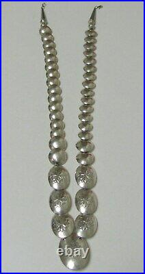 Beautiful Rare Vtg. Navajo Sterling Silver 925 Pillow Bead Turquoise Necklace