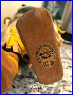 Vintage Apple Head SKOOKUM 16 Indian Squaw Label on Foot Near Mint RARE